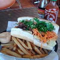 1/28/2012에 Nick님이 Bun Mi Sandwiches에서 찍은 사진