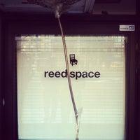 รูปภาพถ่ายที่ Reed Space โดย Jeff M. เมื่อ 4/14/2012