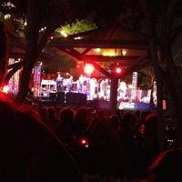 Снимок сделан в Grand Performances пользователем Ana M. 8/26/2012