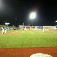 Foto tomada en TD Bank Ballpark por Liz K. el 5/27/2012