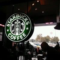 Das Foto wurde bei Starbucks von Stefano M. am 10/15/2011 aufgenommen