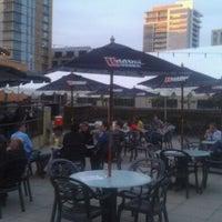 Foto tomada en On Deck Sports Bar & Grill por Brittany🍭 el 6/10/2011