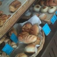 Foto scattata a Baan Bakery da Yotkajorn T. il 5/28/2012