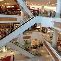 Foto diambil di Boulevard Shopping oleh Diogo R. pada 7/28/2012