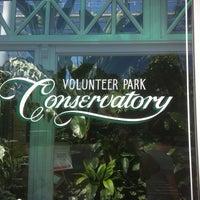 Das Foto wurde bei Volunteer Park Conservatory von John K. am 7/12/2012 aufgenommen