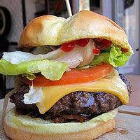 Снимок сделан в Butcher & The Burger пользователем Chicago Tribune 6/22/2012
