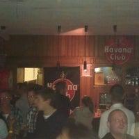 Foto scattata a Bellevue Brewery da Robin W. il 10/15/2011