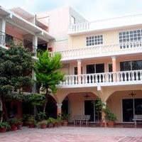Foto tirada no(a) Casablanca Tula Hotel por miguelaranamx em 12/9/2011