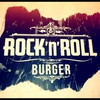 Foto tomada en Rock 'n' Roll Burger por Guilherme F. el 7/22/2012