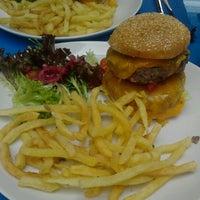 Photo prise au El Cafe par Sebastien M. le5/20/2012
