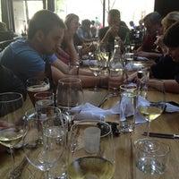 7/7/2012 tarihinde Katie K.ziyaretçi tarafından Purple Café & Wine Bar'de çekilen fotoğraf