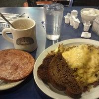 1/15/2012 tarihinde Paulino B.ziyaretçi tarafından Uptown Diner'de çekilen fotoğraf