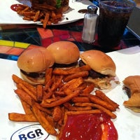 Photo prise au BGR - The Burger Joint par Michael W. le6/15/2012