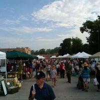 7/16/2011 tarihinde John D.ziyaretçi tarafından Broad Ripple Farmers Market'de çekilen fotoğraf