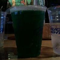 Photo prise au Effins Pub & Grill par Lauriana C. le3/17/2012