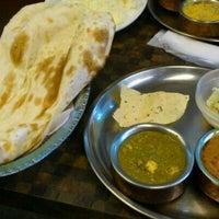 รูปภาพถ่ายที่ Ahilya โดย SATOSHI N. เมื่อ 9/18/2011