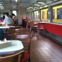 1/17/2012 tarihinde Alison W.ziyaretçi tarafından Carney's'de çekilen fotoğraf