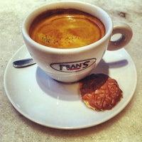 5/12/2012에 Edgar P.님이 Fran's Café에서 찍은 사진