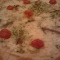 Photo prise au Ristorante Pizzeria Dal Pescatore par Emanuele P. le10/14/2011