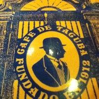 Foto diambil di Café de Tacuba oleh Paulina L. pada 3/4/2012