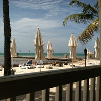 Photo prise au Southernmost Beach Cafe par Deborah K. le6/7/2012