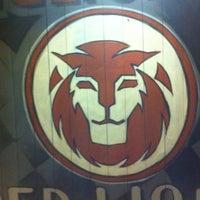 Foto tomada en The Black Lion por Roger S. el 3/29/2012