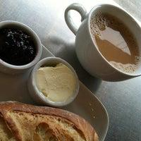 Foto scattata a Little t American Baker da Sandra C. il 3/19/2012