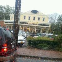 Foto scattata a Balducci's Food Lover's Market da Elixandria P. il 10/19/2011