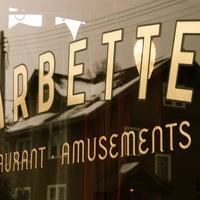 Photo prise au Barbette par Demian B. le10/25/2011