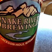 Foto diambil di Snake River Brewery & Restaurant oleh Drew M. pada 6/23/2012