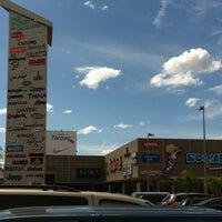 รูปภาพถ่ายที่ MULZA Outlet del Calzado โดย Miguel D. เมื่อ 7/31/2011
