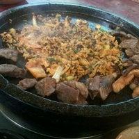 Foto scattata a Hae Jang Chon Korean BBQ Restaurant da Yong Moo S. il 12/10/2011