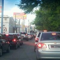 Foto tirada no(a) Avenida Fernandes Lima por Roberta M. em 3/21/2012