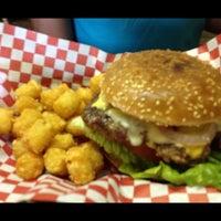 Снимок сделан в Stanton's City Bites пользователем Lea M. 6/21/2012