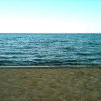 Foto diambil di Woodbine Beach oleh Jason K. pada 8/21/2012