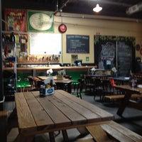Foto scattata a Rogue Eastside Pub & Pilot Brewery da Sharon W. il 8/12/2012