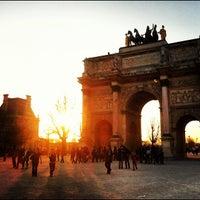 Foto tirada no(a) Arco do Triunfo do Carrossel por Alan W. em 3/16/2012
