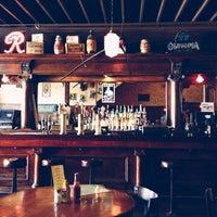 Das Foto wurde bei Jules Maes Saloon von Jamie S. am 6/17/2012 aufgenommen