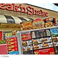 Foto tomada en Steak 'n Shake por Joe P. el 5/6/2012