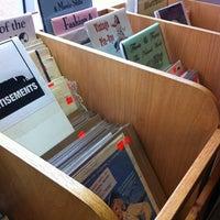 Das Foto wurde bei Second Story Books von Joe R. am 3/31/2012 aufgenommen