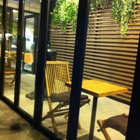 Foto diambil di John White cafe oleh Sue P. pada 3/17/2012