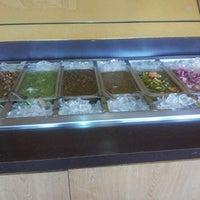 Foto scattata a Mikasa Restaurant da Jennifer H. il 3/22/2012