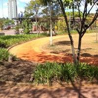 Das Foto wurde bei Praça Martin Luther King von Amanda Jamile C. am 8/30/2012 aufgenommen