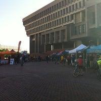 Снимок сделан в City Hall Plaza пользователем Gustatelo 5/18/2012