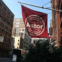 Foto diambil di Astor Wines & Spirits oleh FineTobacco N. pada 6/22/2012