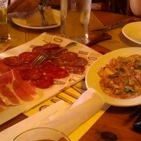 Foto scattata a Pizzeria Mozza da Christi S. il 8/12/2012