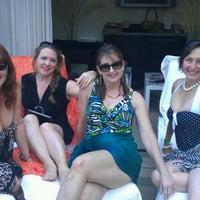 Foto tomada en Azure Luxury Pool (Palazzo) por Krista S. el 10/23/2011