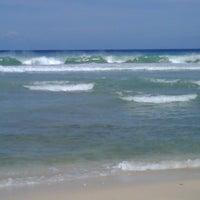 4/7/2012에 KN R.님이 Errol Barrow Beach에서 찍은 사진