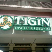 Foto tirada no(a) Tigin Irish Pub por Sabrina L. em 3/26/2012