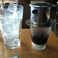Foto scattata a Blue Hen Vietnamese Kitchen da Michael B. il 10/24/2011